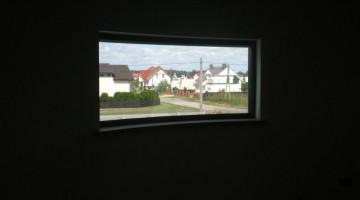 Oryginalne okno aluminiowe w wersji wypukłej.