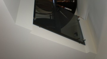 Balustrada, szkło bezramowe.